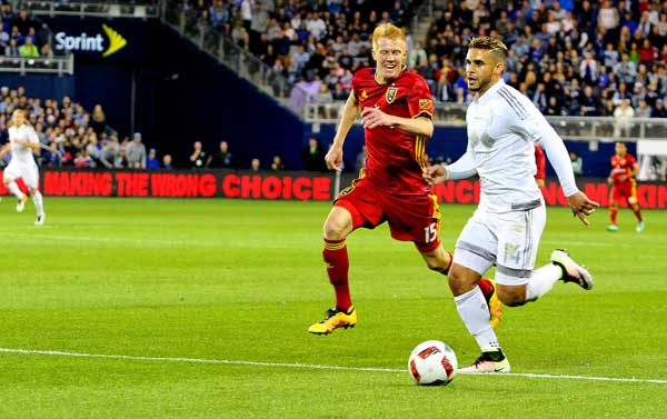 Dom Dwyer in action against Real Salt Lake.  Photo by Michael Alvarado - Dos Mundos